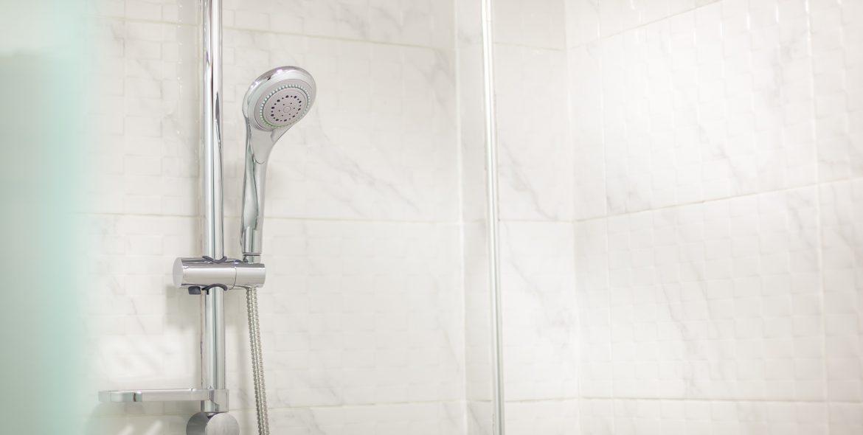 shared bathroom (2)